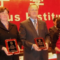 Stuart Wachowicz Won 2009 Individual Excellence of Confucius Institute