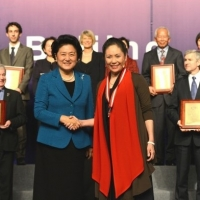 2012: Mianmian Xie, the Cultural Co-ordinator of CIE, Won the Individual Award of Confucius Institute